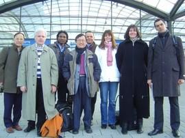 Unser Vermittler Christian Quandt und einige seiner Teilnehmer auf der Cebit in Hannover