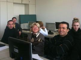 Die Dozentin Vera Wiese mit ihrer Gruppe