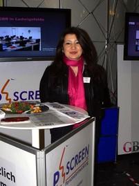 Projektleiterin Dilfuza Yildiz berät alle Interessenten zu ESF-Projekten