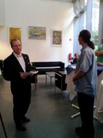 Herr Baumgart vom Kulturring e. V. mit Herrn Kober