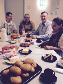 gemeinsames Frühstück der Teilnehmer bei der GBB in Fürstenwalde