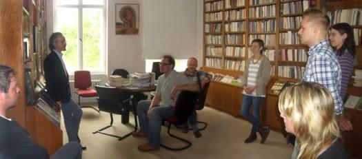 Teilnehmer der internationalen Weiterbildungsmaßnahme ICONE zu Besuch in der griechischen Botschaft Berlin