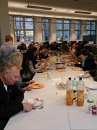 Kochgruppe bei der GBB in Berlin-Neukölln