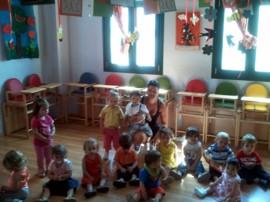 Maria im Kindergarten
