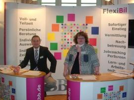 Frau Sommerfeldt und Herr Wieschollek auf der Messe in Spandau