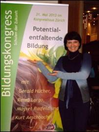 Janet Koster auf dem Bildungskongress in Zürich