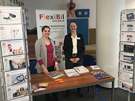 Weiterbildungsmesse im Ullsteinhaus, Frau Völlger und Frau Mix