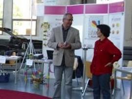 Ulrich Gehrke und Jutta Krancher auf der Messe 'Wiedereinstieg ins Berufsleben' in Wildau